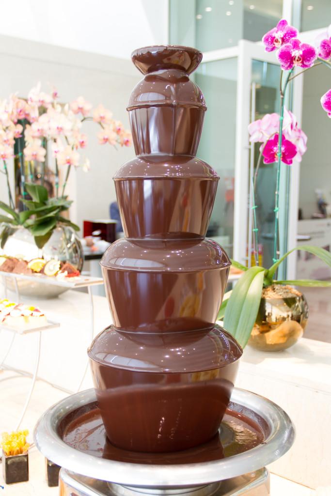 We Do Fondu Chocolate fondue fountain